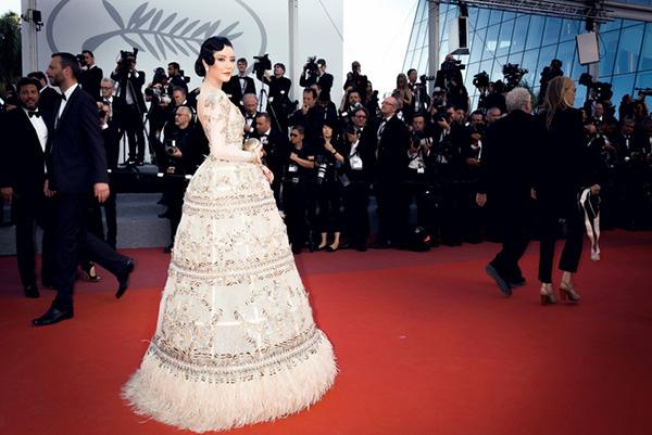 Cận cảnh thiết kế Việt giúp Lý Nhã Kỳ lại 'quét sạch' thảm đỏ Cannes