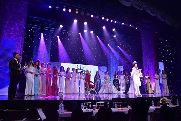Hoa hậu Việt Nam quốc tế Hứa Vân Khương với bài phát biểu đầy cảm xúc sau một năm đăng quang
