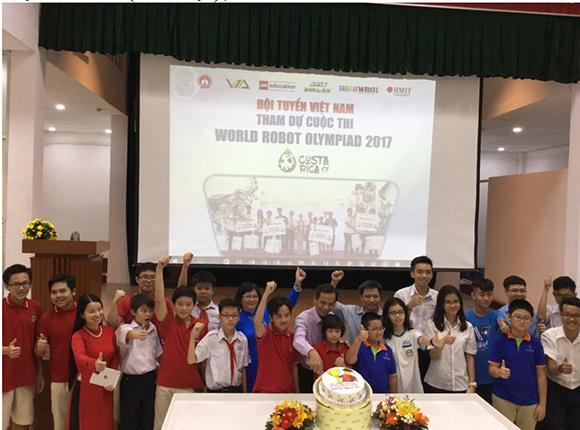 Lễ ra quân cổ vũ tinh thần cho các thí sinh tham gia cuộc thi WRO 2017