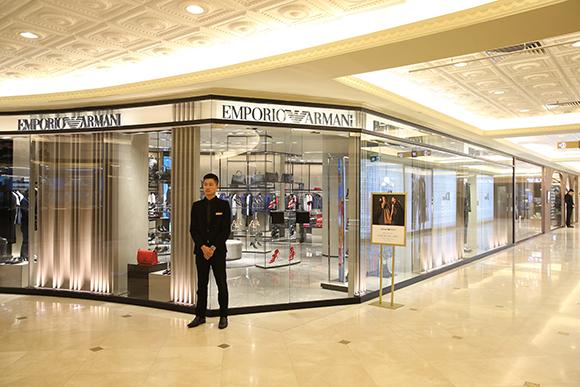 Tràng Tiền Plaza trải nghiệm mua sắm tuyệt vời dành cho các tín đồ thời trang sang trọng và cao cấp