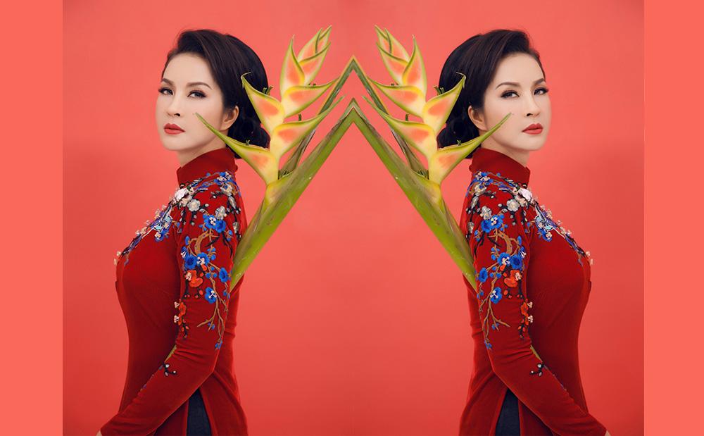 Thanh Mai dịu dàng với áo dài do nhà thiết kế Thuỷ Nguyễn thiết kế riêng nhân dịp tết