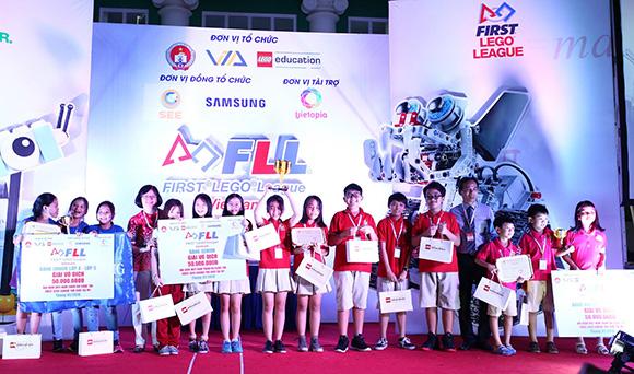 Nhiều màn tranh tài gây cấn & hấp dẫn tại cuộc thi 'Khoa học ứng dụng FIRST LEGO League 2018'