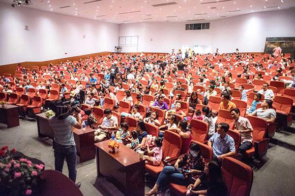 Trịnh Kim Chi trăn trở, kêu gọi đóng góp dành cho các bé có hoàn cảnh khó khăn