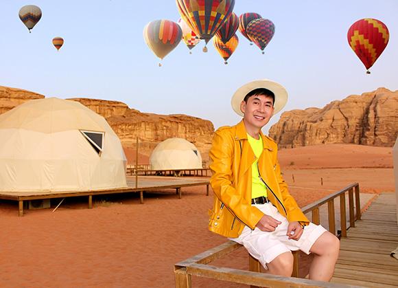"""Đoan Trường """"ôm trọn"""" sao trời tại """"Thung lũng ánh trăng""""Wadi Rum"""