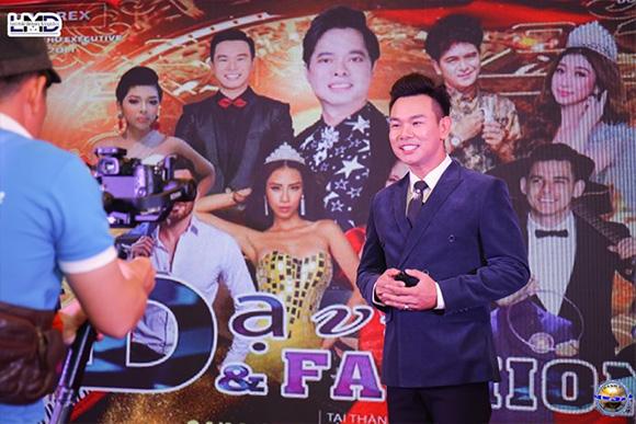 MC – Ca sĩ Quang Thắng bận rộn cho những dự án lưu diễn nước ngoài vào cuối năm