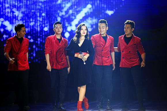 Ca sĩ trẻ Sunny Đan Ngọc như viên socola ngọt ngào được khán giả Hà Nội yêu mến
