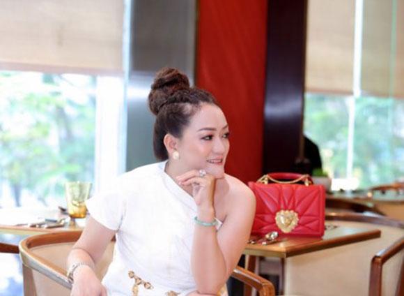 NTK Oanh Phan với Hoang My| 19 Fall Collection Thu
