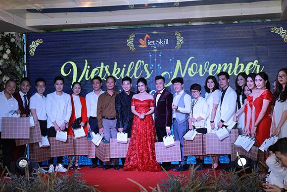 Vietskill nhận quyên góp gần 30 triệu đồng từ đêm Gala Vietskill's November