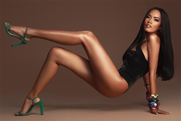 Trước thềm chung kết, Hoàng Phương tung ảnh bikini cực hút mắt