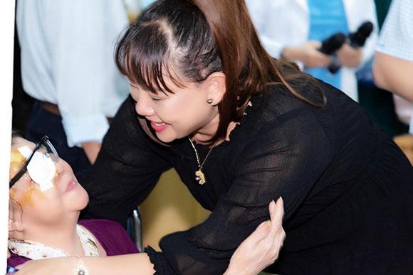 Nhìn lại một năm hoạt động từ thiện thầm lặng, đáng trân quý của CEO Hồ Thanh Hương