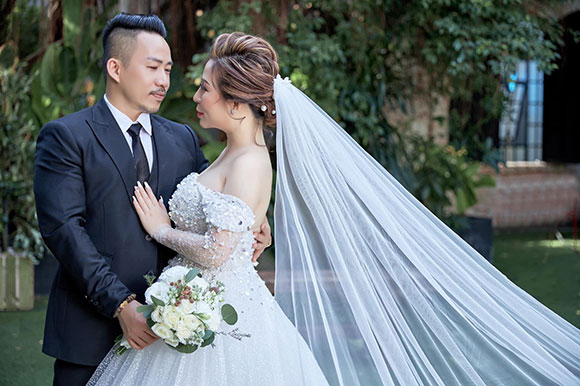 CEO Kristine Thảo Lâm và nhạc sĩ Huỳnh Nhật Đông đẹp tinh khôi khoe ảnh cưới mới