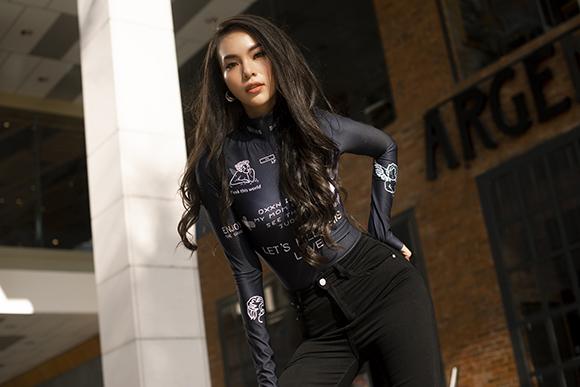 Người đẹp Hoàng Hương Ly cá tính với loạt hình ảnh thời trang năng động