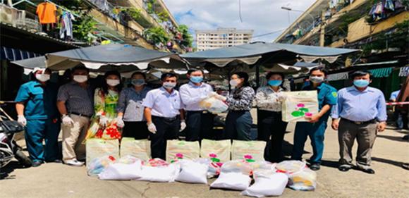 """Nguyễn Ngọc Loan """"10 năm làm công tác từ thiện thật bình dị, những tạo sự lan tỏa bởi tình người"""""""